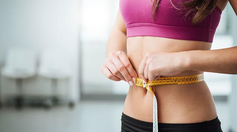 Nainen laihduttaa