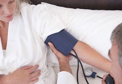 Onnistuuko verenpaineen mittaus makuulla?